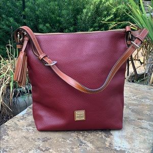 ❤️Dooney&Bourke Cranberry Red Pebbled Leather Bag